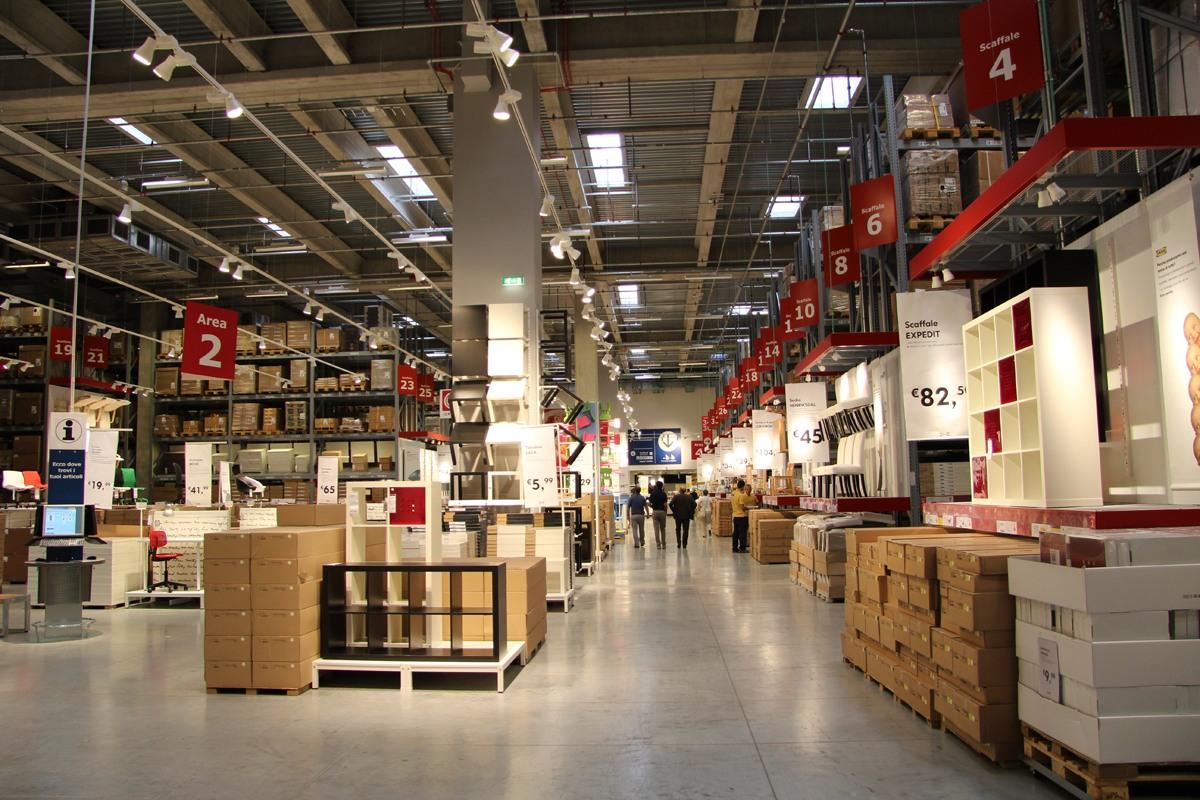 08029_ikea_store_pescara_2009